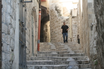 Inside_old_jerusalem_april_08_62