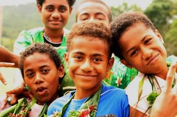 Fijian_children_after_dance_celebra