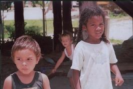 Belizechildrenplayingjpg_2